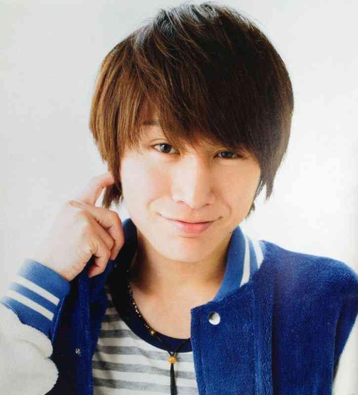 安田章大さんのピアスは全身の何か所に付けられているのか調べてみたのサムネイル画像