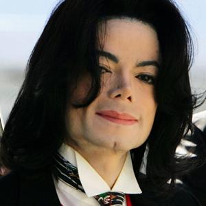 【画像アリ】マイケル・ジャクソンの鼻の変化が凄すぎて怖い!のサムネイル画像