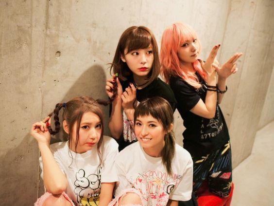 人気女性バンドのスキャンダル!メンバーの魅力を徹底検証します!のサムネイル画像