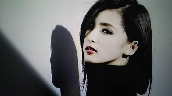 パフォーマーの藤井萩花さん。彼女の髪型を徹底検証します!のサムネイル画像