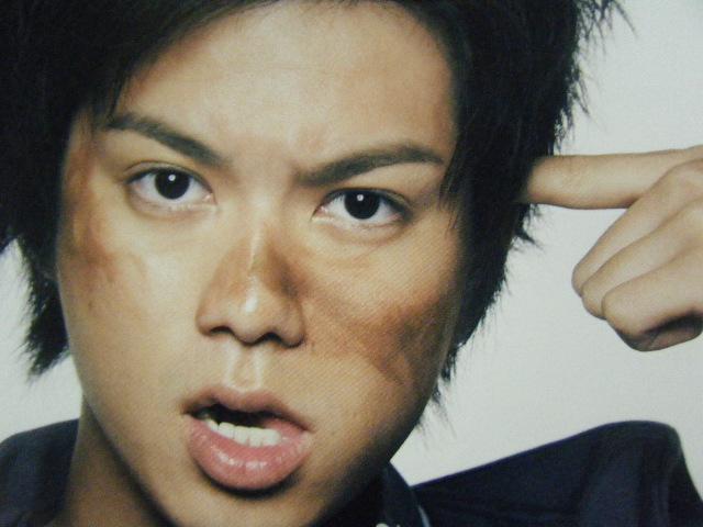 作家としても活躍中!NEWS・加藤シゲアキさんのイケメン髪型カタログのサムネイル画像