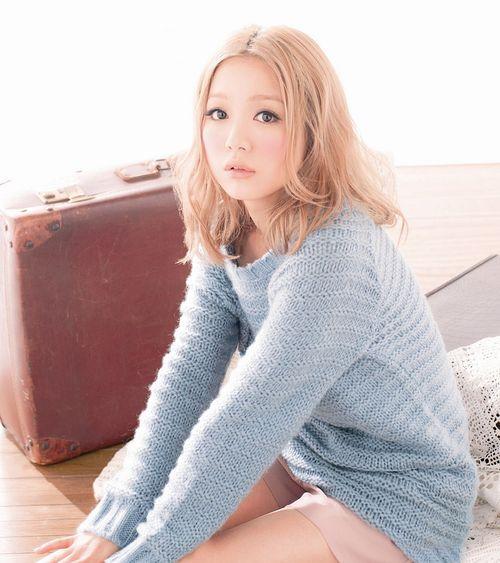 手持ちの私服でマネできる!西野カナのとっても可愛いファッションのサムネイル画像