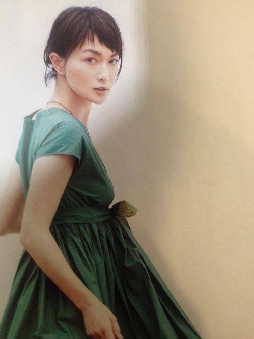 容姿端麗の長谷川京子さん。過去の髪型について紹介していきます!のサムネイル画像