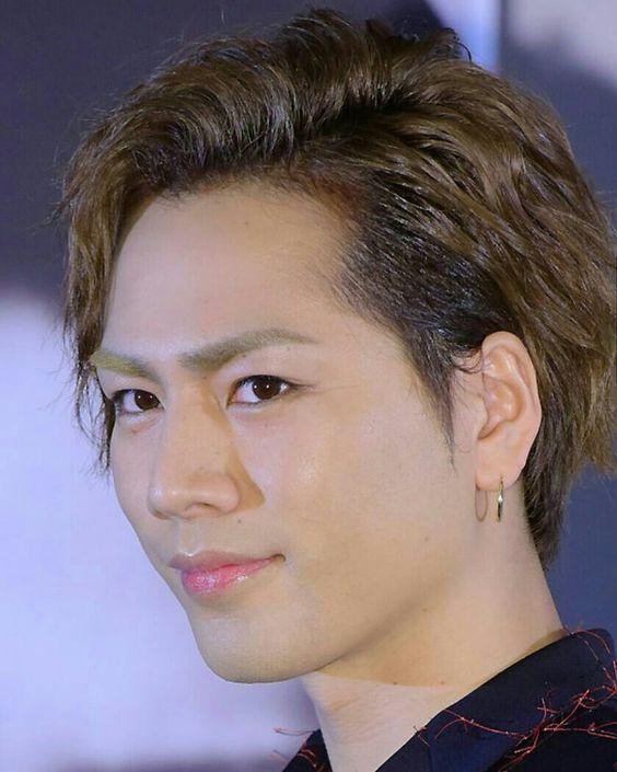 三代目JSB登坂広臣さんのパーマスタイルの髪型について紹介します。