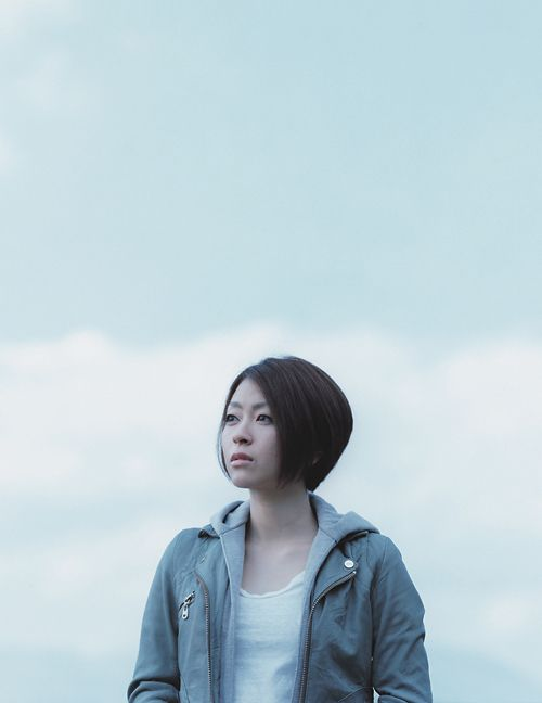 宇多田ヒカル最新ヘアが大人可愛い!話題の髪型、前下がりボブって?のサムネイル画像
