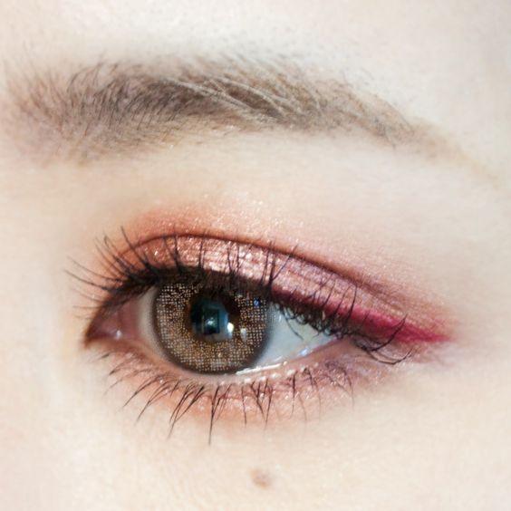 眉毛だけでインパクト大!?眉毛が濃い芸能人を紹介します!のサムネイル画像