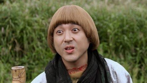 コミカルな演技が人気!個性派俳優・ムロツヨシって何者??のサムネイル画像