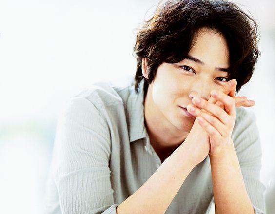 かっこいいだけじゃない!30代のイケメン俳優10人を紹介します。のサムネイル画像