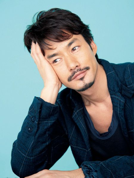 超人気ベテランイケメン俳優!竹野内豊さんの身長は何cmなの?のサムネイル画像