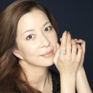 綺麗な男役が朝の顔に!宝塚出身女優真矢ミキ。初MC番組での評判は?のサムネイル画像