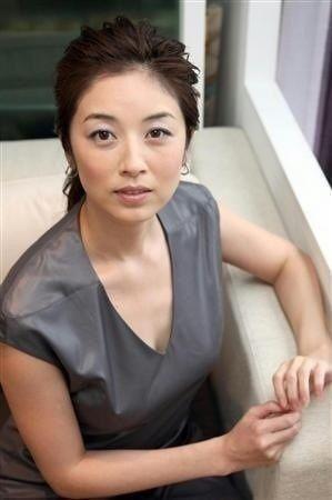 魔性の女!大人の色香漂う女優・高岡早紀の髪型を真似したい…のサムネイル画像