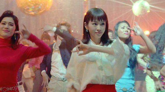 女優桐谷美玲のコミカルな演技で人気!YモバイルのCMまとめ。のサムネイル画像