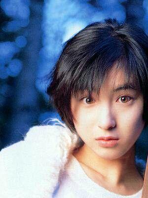 演技派・個性派女優の広末涼子さんは身長がコンプレックス?のサムネイル画像