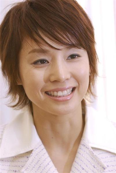 アラフィフに見えない!女優の石田ゆり子のメイク法や愛用品を紹介!のサムネイル画像