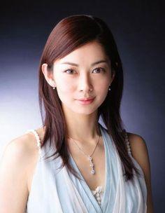 女優伊東美咲は今何しているのか?今現在は芸能活動はしているのか?のサムネイル画像