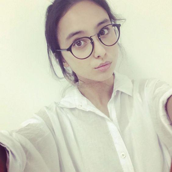 ユニクロなどのCMに出演!とてもかわいい石田ニコルが気になる♡のサムネイル画像