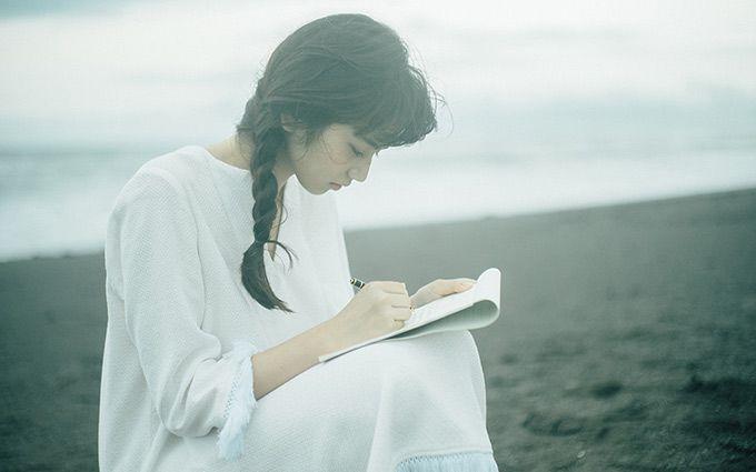 美しすぎる女優 小松菜奈さんが着こなすファッション特集です!のサムネイル画像