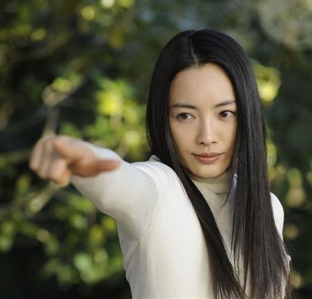 ドラマ『明日の約束』にも出演した仲間由紀恵さんの出演ドラマ一覧のサムネイル画像