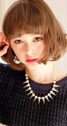モデルの「玉城ティナ」の髪型や行きつけの美容院をチェック!のサムネイル画像