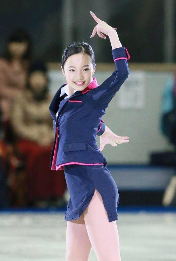 人気選手本田真凛のフィギュアスケートが凄い!妹たちとCMで共演!?のサムネイル画像