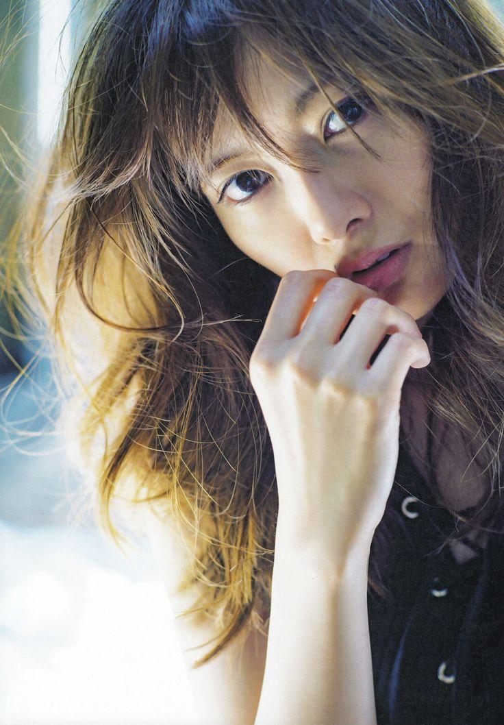 女も憧れる超絶美形のアイドル 乃木坂46 白石麻衣出演のCM動画まとめのサムネイル画像