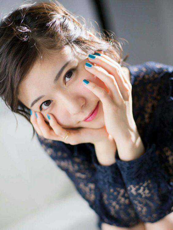 女優・松岡茉優さん流メイク術で、目指せナチュラルで旬なモテ顔!のサムネイル画像