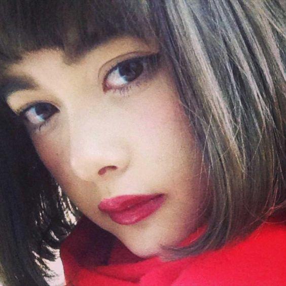 『ViVi』専属モデル玉城ティナさんのガーリーな私服を画像でまとめ!のサムネイル画像