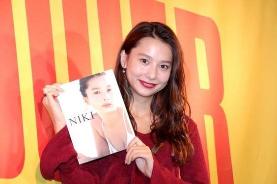 「はれのひ」カタログモデルをつとめたモデル「Niki」って?のサムネイル画像