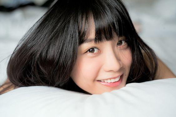 乃木坂46を卒業した深川麻衣、初のフォトマガジンを発売!私物も披露のサムネイル画像