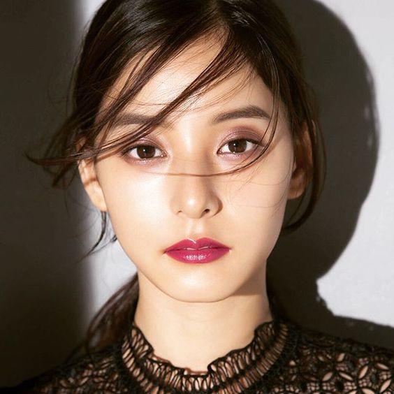 カッコイイ女性・新木優子さんの素敵なCMをご紹介!美しさ120%!のサムネイル画像