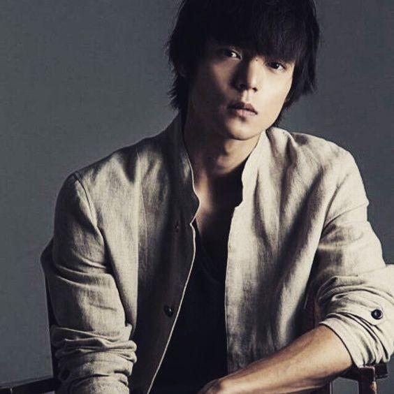 【2018年版】窪田正孝のカレンダーが3月発売!有名写真家とコラボ!のサムネイル画像