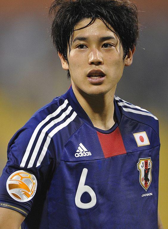 【サッカー】イケメン過ぎる元日本代表、内田篤人の髪型紹介のサムネイル画像