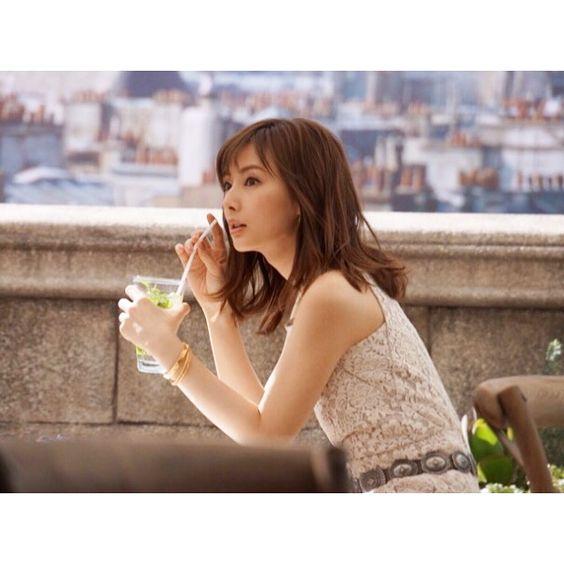 NHK大河ドラマ出演中の女優北川景子の写真集についてまとめました。のサムネイル画像