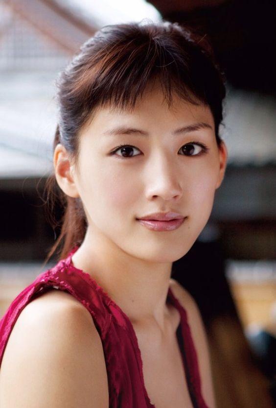 国民的女優・綾瀬はるかさんの出演映画おすすめトップ10を紹介!のサムネイル画像