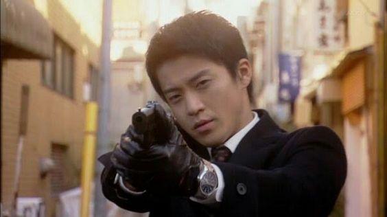 小栗旬主演ドラマ『東京DOGS』今見ても面白い!東京DOGSの魅力とは?のサムネイル画像