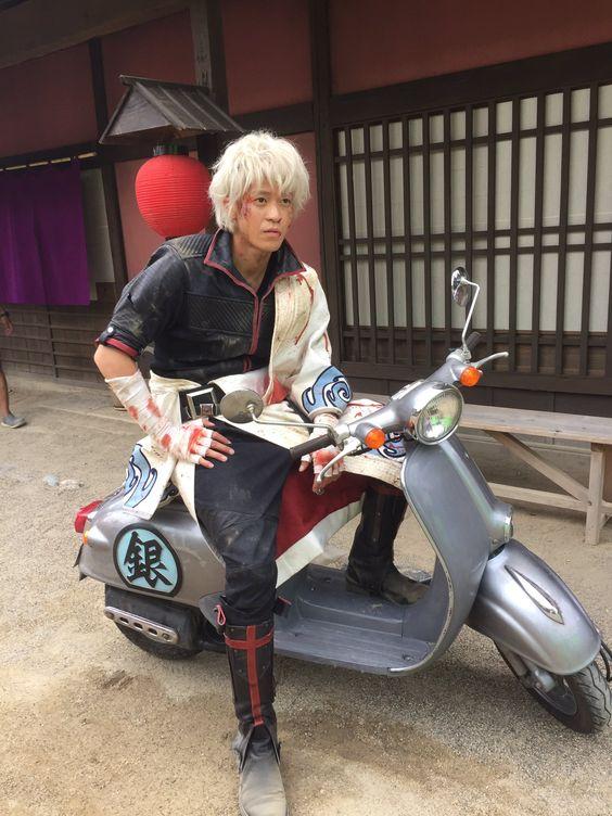 小栗旬がドラマで乗っていたバイクはどこのメーカー?価格は?のサムネイル画像