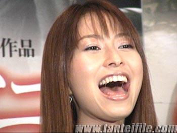 榎本加奈子、長女への迫害!連れ子は許せぬアイドルの醜い本性!?のサムネイル画像