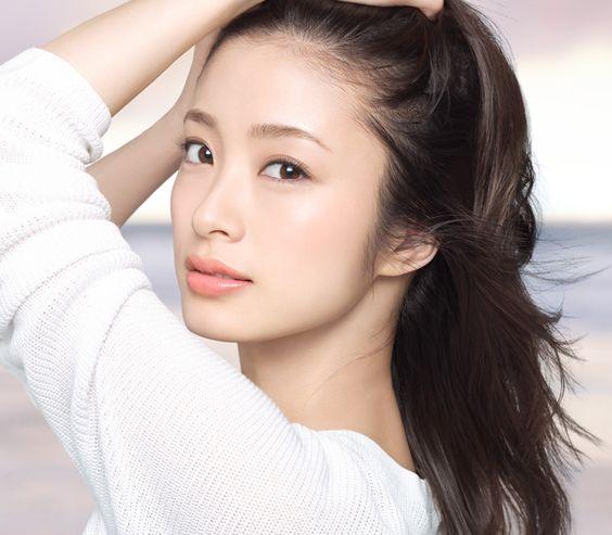 女優上戸彩の出演映画ドラマまとめ!数々の名作で名演技を果たす!のサムネイル画像