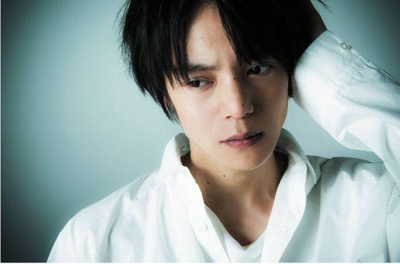 俳優の「窪田正孝」さんが出演したラストコップは面白い!!のサムネイル画像