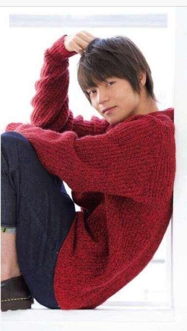 今注目の若手俳優、窪田正孝さんの人気のヘアスタイルを解説!?のサムネイル画像