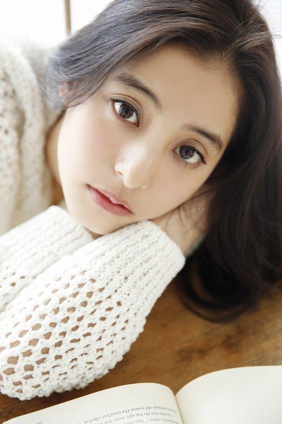 新木優子さんに宗教の噂が!?気になる真相について調べてみました!のサムネイル画像