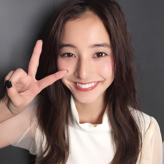 注目度の高い新木優子さん。歯を矯正しているという噂は本当?のサムネイル画像