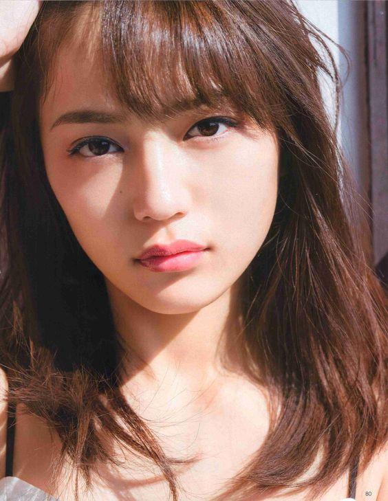 人気の女優川口春奈さんのかわいさの秘訣は髪形に!徹底解明!?のサムネイル画像