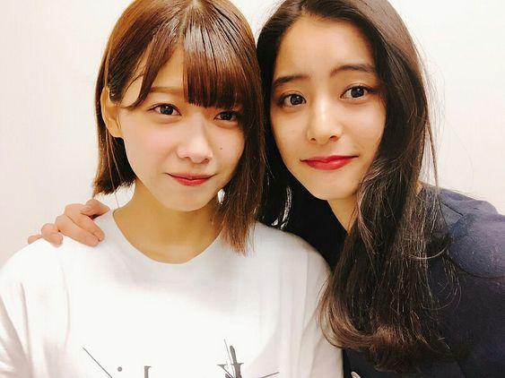 大人気女優新木優子さんと渡邉理佐さんのツーショットが話題に!のサムネイル画像