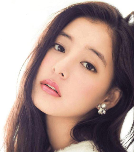 横顔美人な人気女優新木優子さん!その横顔の美しさの秘訣を解説!?のサムネイル画像