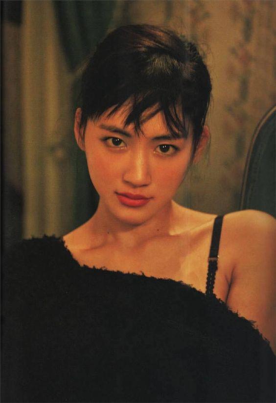 綾瀬はるかさんのanaのCMが最高でハワイに行きたくなると話題!のサムネイル画像