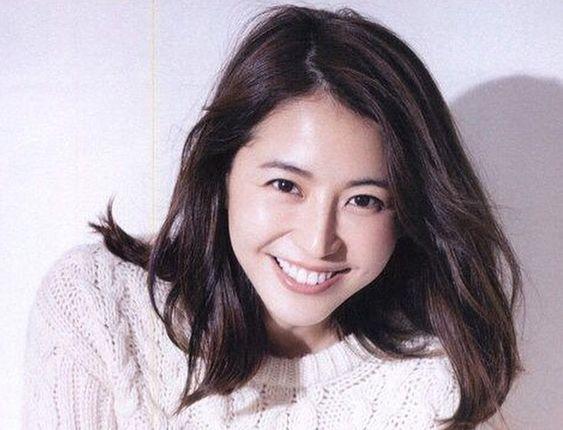 女優長澤まさみの関西弁が上手すぎる理由に迫る!実は〇〇県出身のサムネイル画像