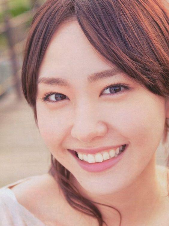 人気女優新垣結衣さんは横顔が美人!横顔の美しさを徹底解説!のサムネイル画像