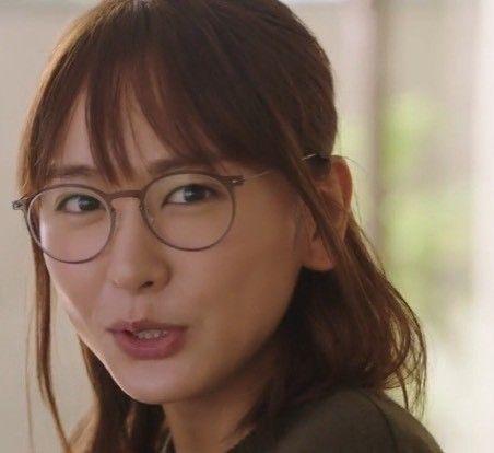 CMやドラマで見れる新垣結衣の魅力的な眼鏡姿とブランドを紹介のサムネイル画像