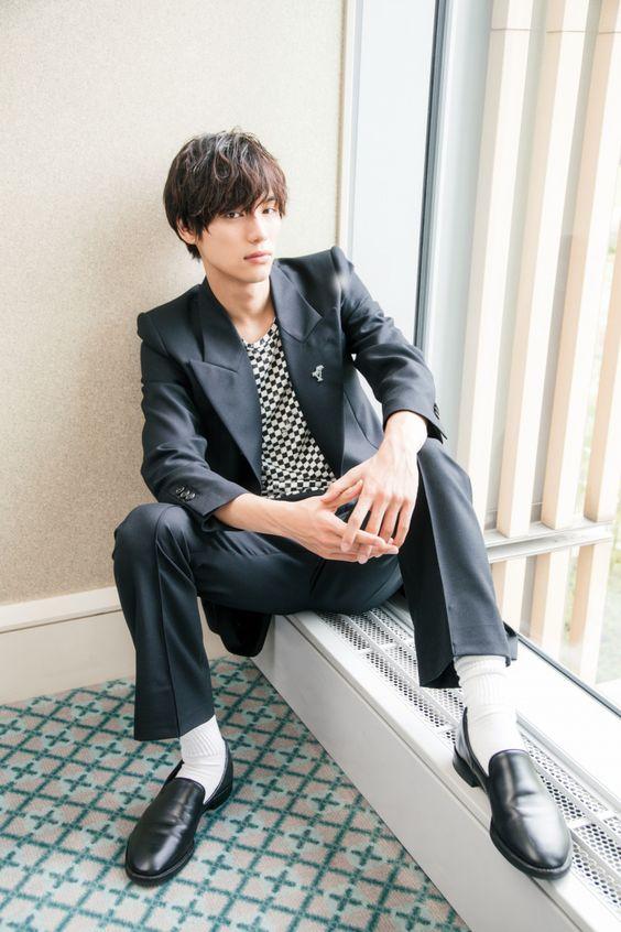 笑顔が素敵なイケメン俳優の福士蒼汰さんが着用している腕時計を紹介のサムネイル画像